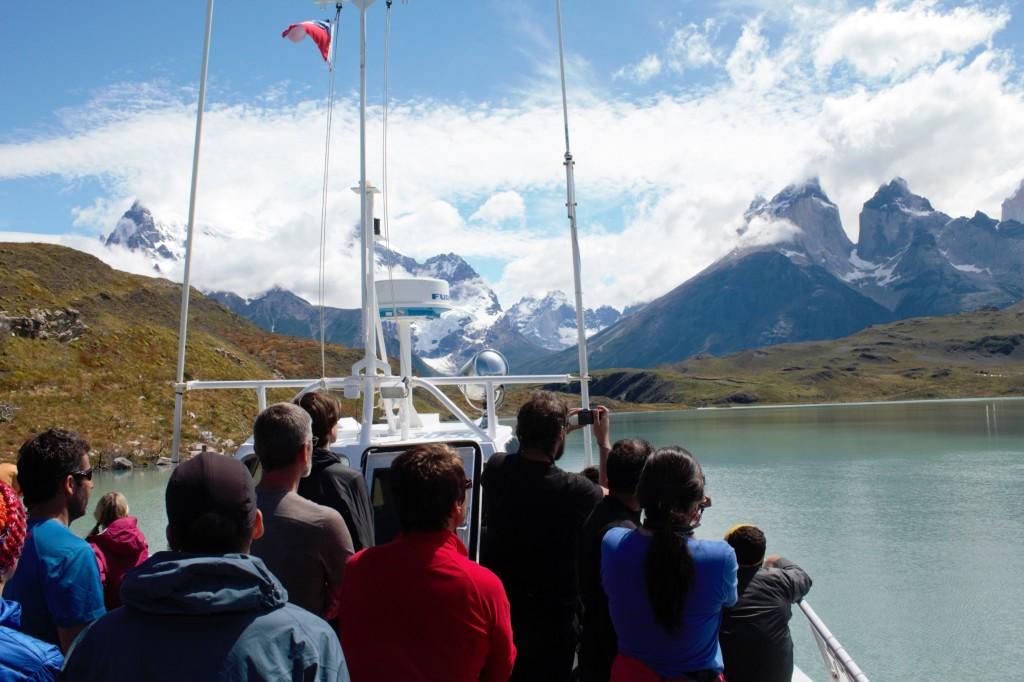 ferry laguna amarga